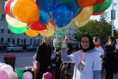 15 мая на пл. Новособорной состоялся массовый запуск шаров в небо.